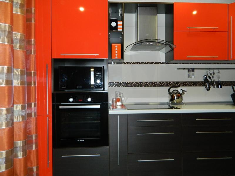 Кухня оранжевая с венге фото