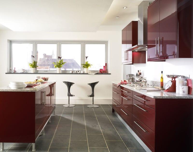 Цвет марсала в интерьере кухни фото