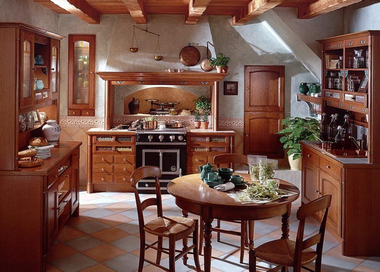 Напольная плитка и потолочные балки отлично гармонируют друг с другом