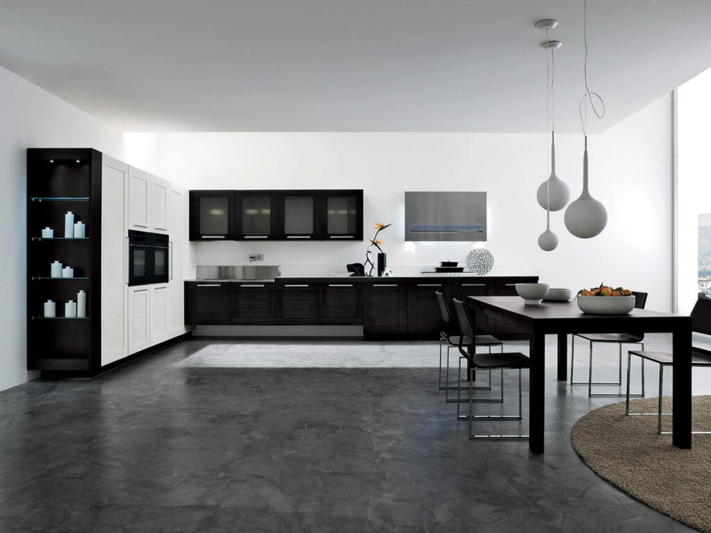 Темный линолеум на черно-белой кухне
