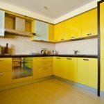 yellow-kitchen-13