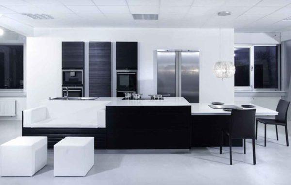 Черная кухня в стиле модерн