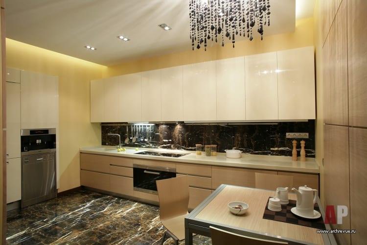 Дизайн кухни с белым гарнитуром в современном стиле