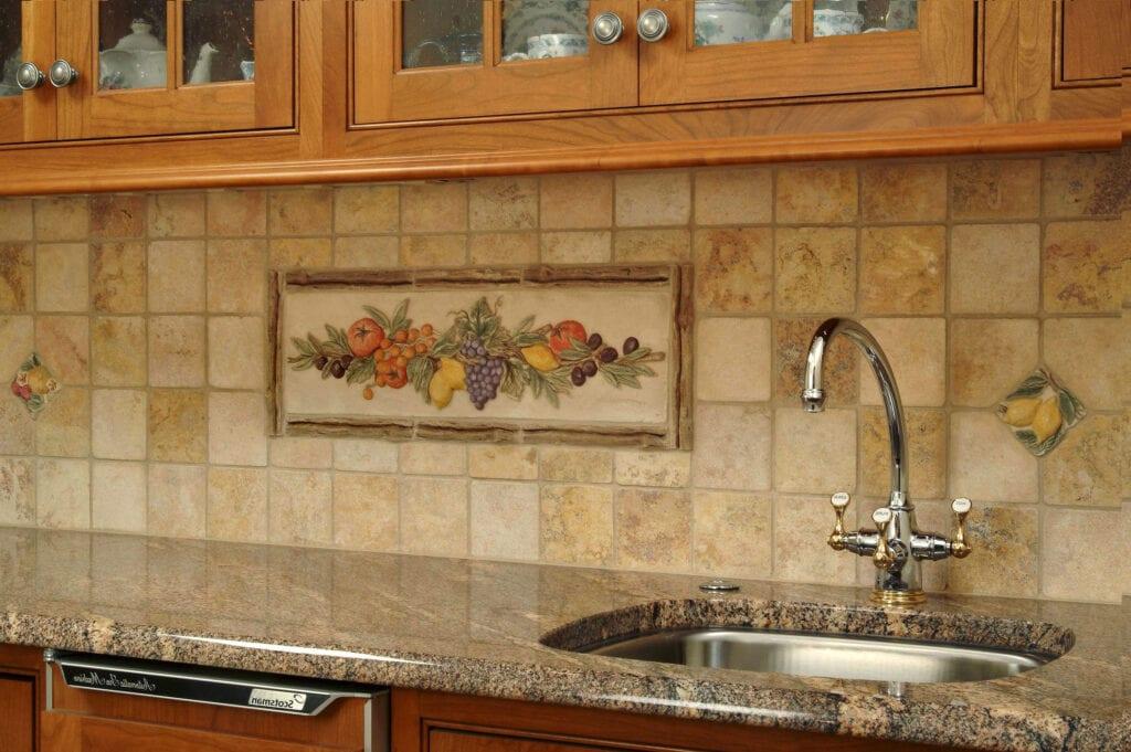 Дизайн фартуков для кухни из плитки