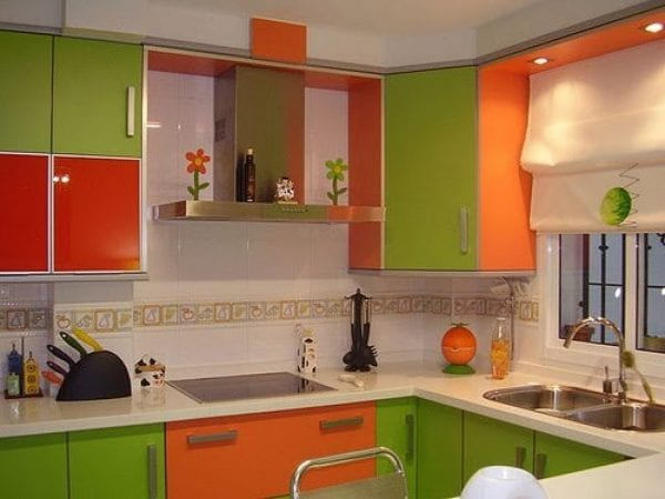 Оранжево-зеленая кухня