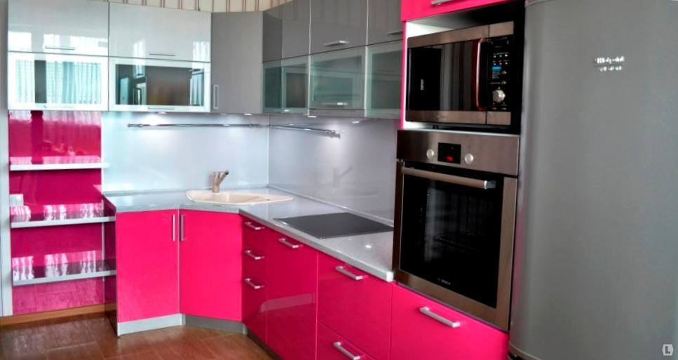 Кухню цвета фуксии