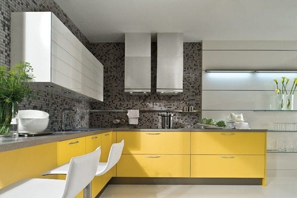 Оригинальная желто-серая кухня