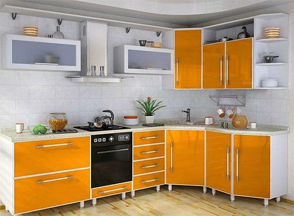 Кухня с алюминиевыми профилями и филенками из стекла