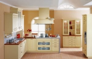 Кухня цвета ваниль