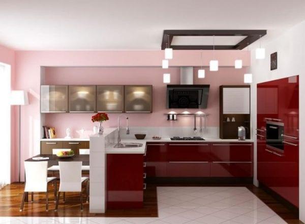 Вишневая кухня с бордовыми фасадами