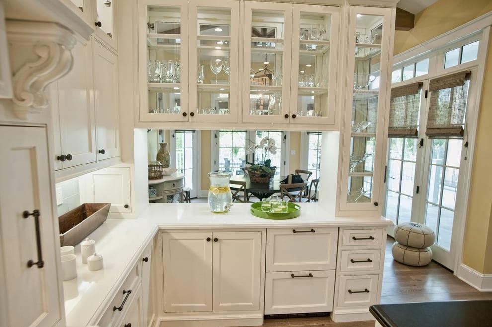 кухни со стеклянными фасадами фото