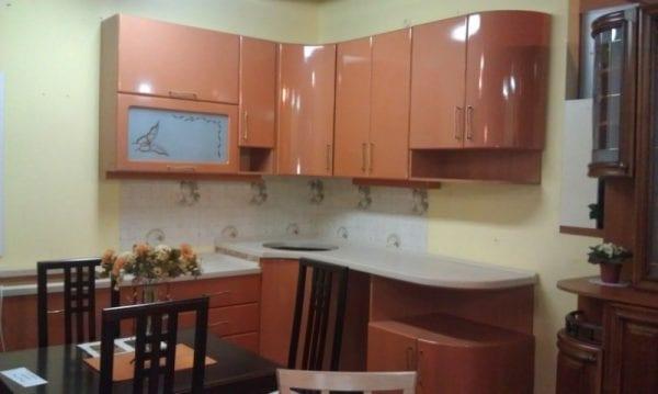 Кухня из МДФ с пленкой с гнутыми фасадами