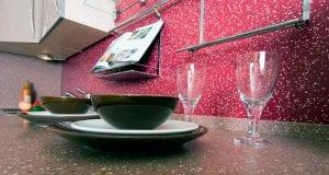Виды фартуков для кухни – выберите оптимальный