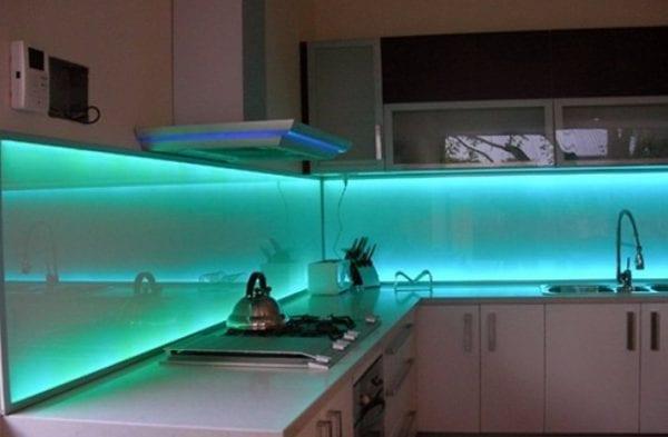 Кухонный фартук из поликарбоната