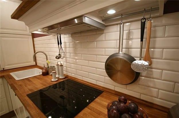 Плитка кабанчик в интерьере кухни фото