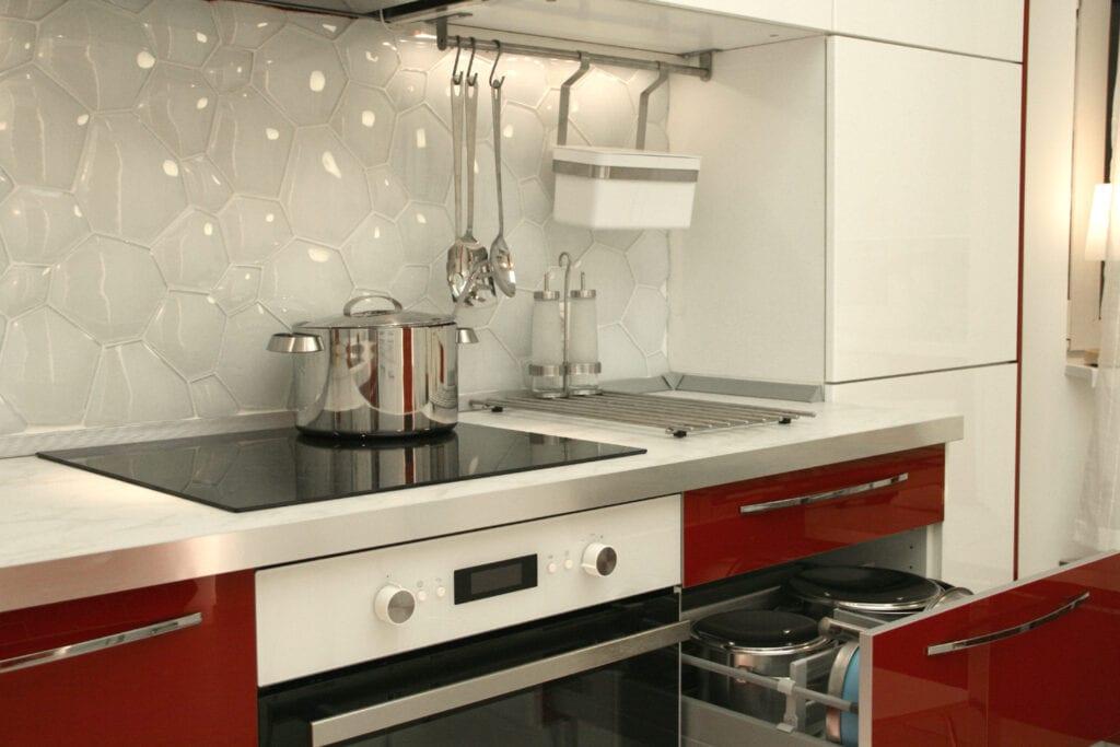 фартук для белой кухни фото идей оформления белый фартук для