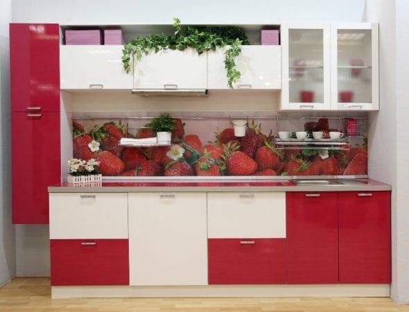 Кухня эконом класса со скинали