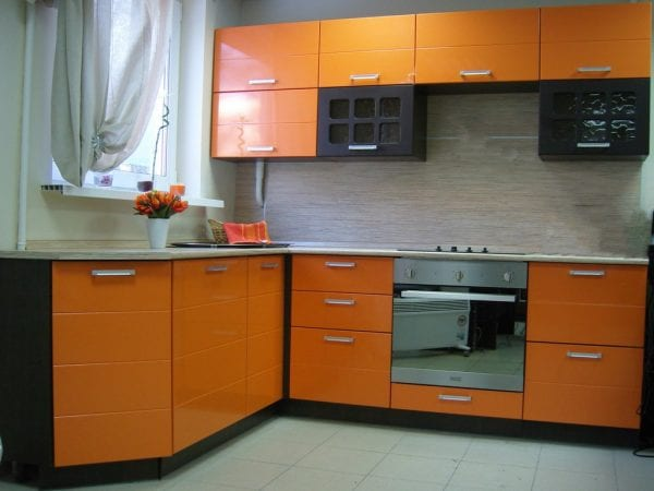 Кухня с ПВХ-пленкой