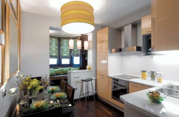 Образцы неполного слияния кухни с балконом