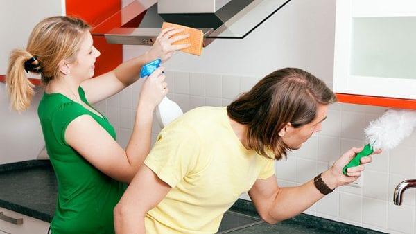 Чем мыть и как ухаживать за пластиковой кухней