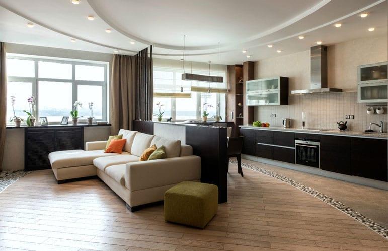 Дизайн потолков в доме с