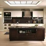 elegant-warmth-and-harmonious-kitchen-interior-design-in-neoclassical-style