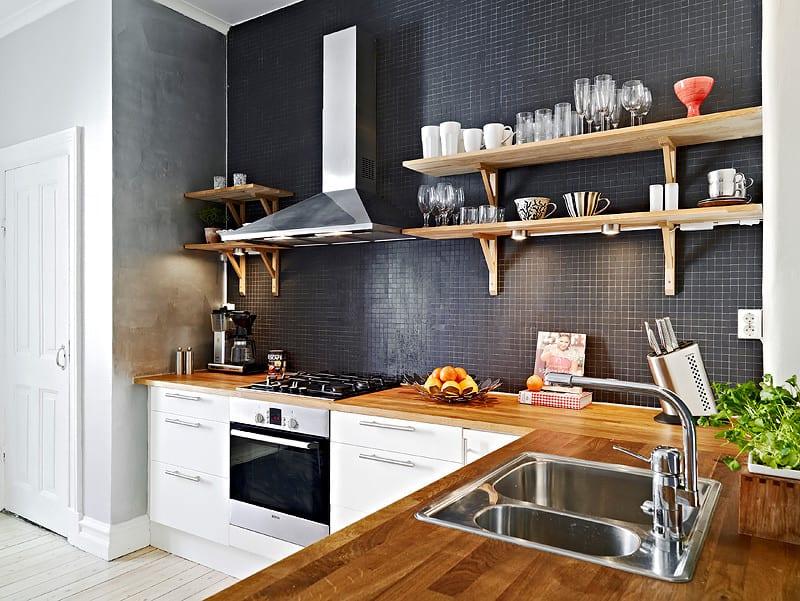 Угловые кухни без навесных шкафов фото в интерьере