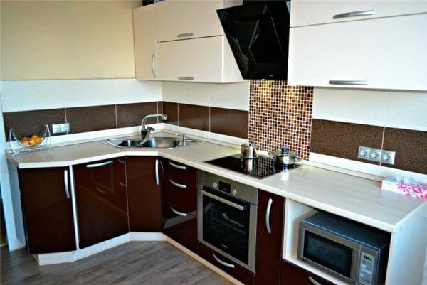 Кухонный гарнитур коричневый низ кухни на заказ дизайн проекты