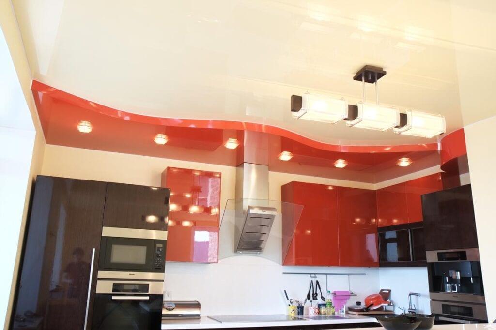 Ремонт кухни с натяжными потолками