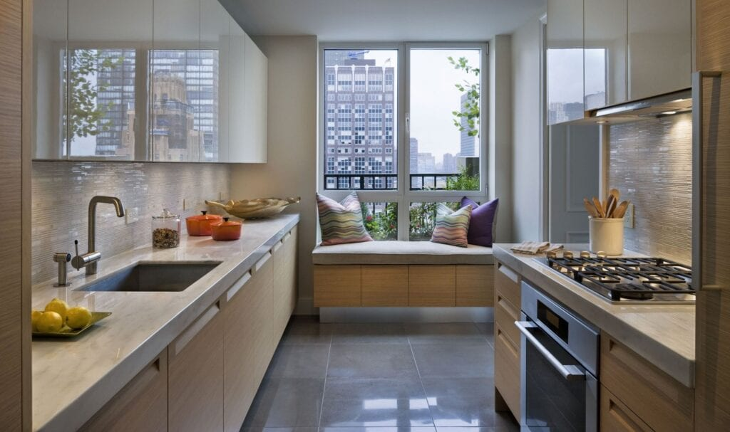 Кухня в балконе дизайн.