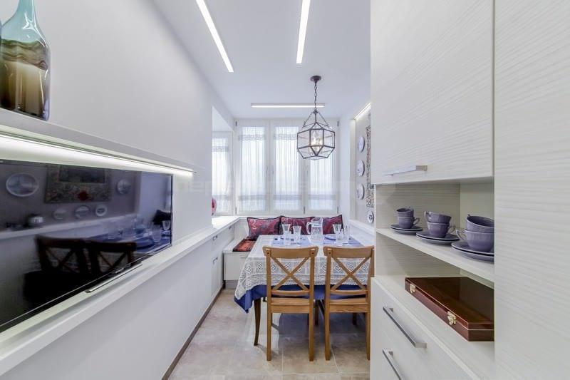 Дизайн кухни с балконом: способы объединения, фото идей кухн.