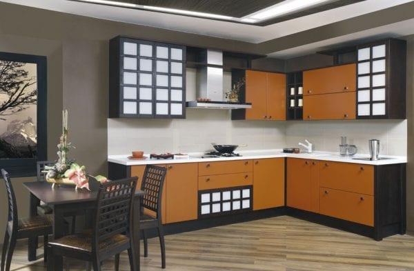 Кухня цвета венге и оранжевый