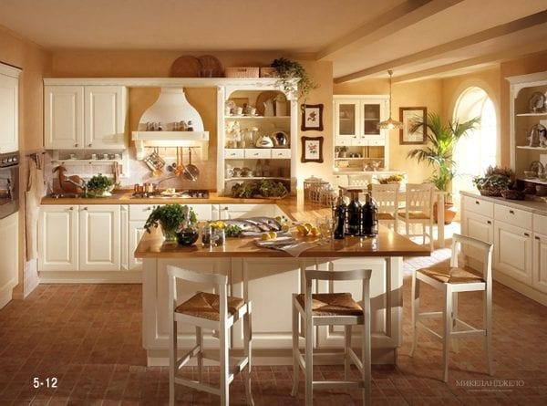 Стол на кухне в итальянском стиле