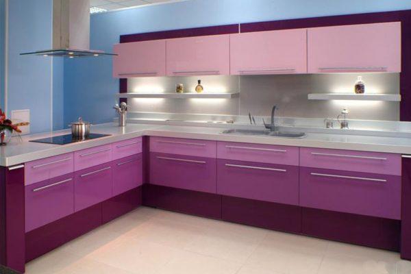 Сиренево-розовая кухня