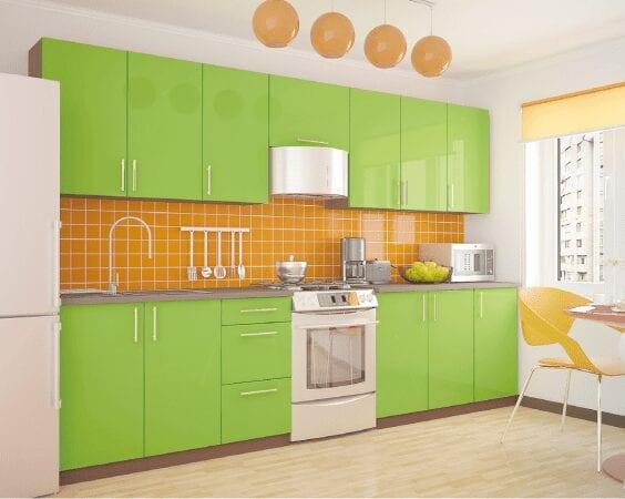Оранжево-зеленая классическая кухня