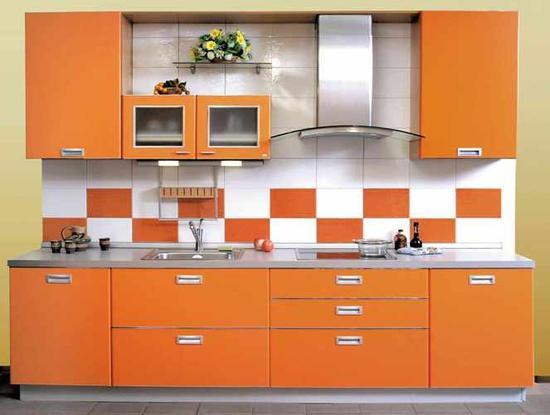 Небольшая и стильная кухня