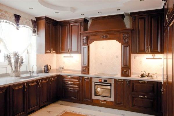 Темные фасады из дерева для кухни