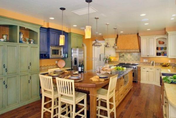 Освещение кухни в стиле прованс