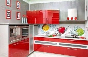 Стеклянные фартуки для кухни – практичный и оригинальный вариант
