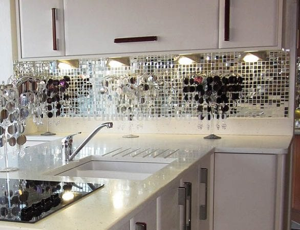 Зеркальная отделка на кухне
