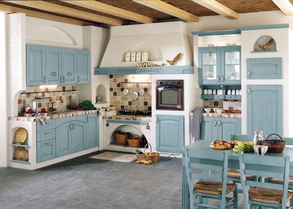 Пример совмещенной кухни с гостиной в стиле кантри.
