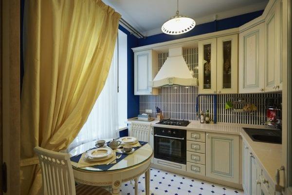 Кухня в классическом стиле на 9 квадратных метрах