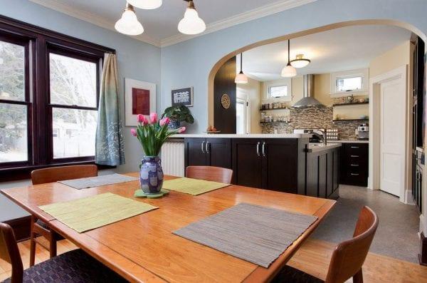 Кухня-гостиная-столовая с аркой