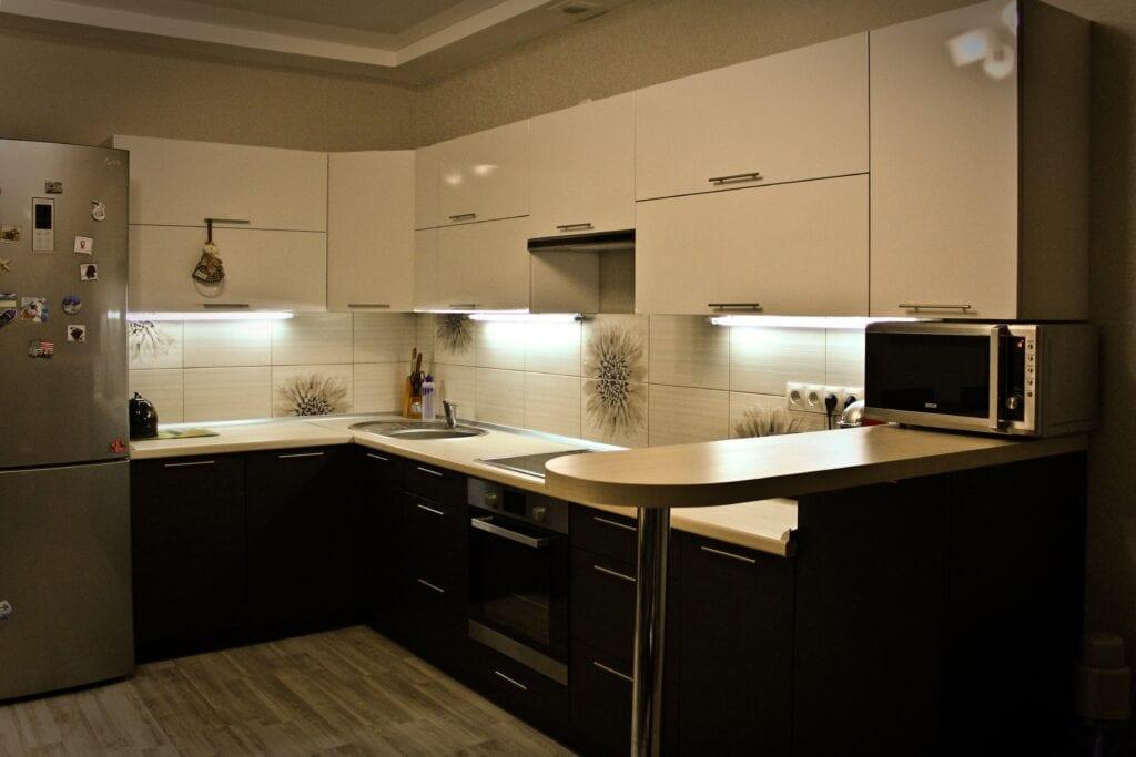 Как подобрать цвет кухни к темному полу