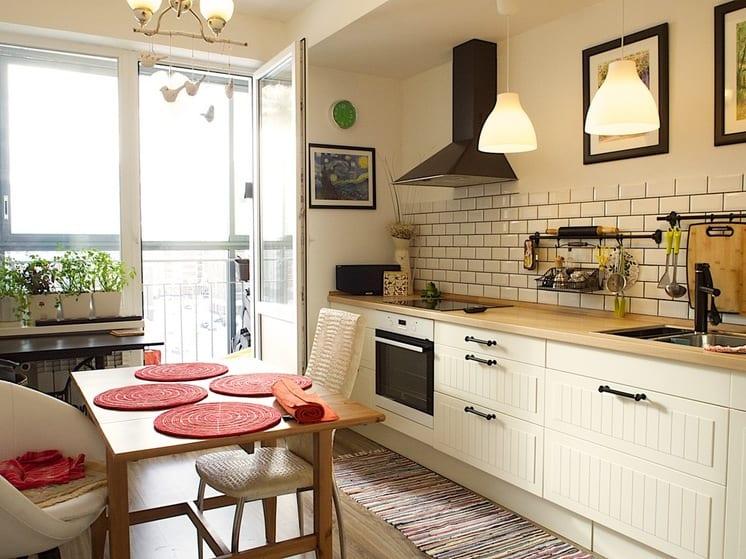 кухня без верхних навесных шкафов дизайн гарнитуров фото
