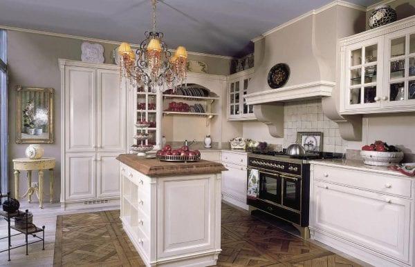 Классические кухни 91 фото интерьер в стиле классика дизайн кухонного гарнитура из Италии мебель из МДФ и других материалов для маленькой кухни