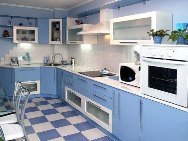 Угловые кухни фото бело голубой цвет