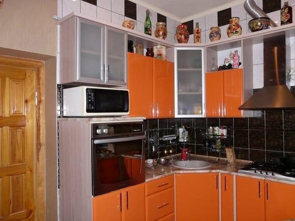 Угловые кухонные гарнитуры в хрущевке