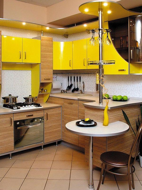 Угловая кухня с барной стойкой для маленькой кухни