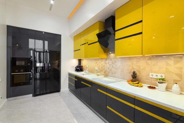 Кухня графит с желтым